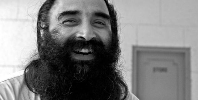 Erfahre Yoga mit Surinder Singh aus Indien!